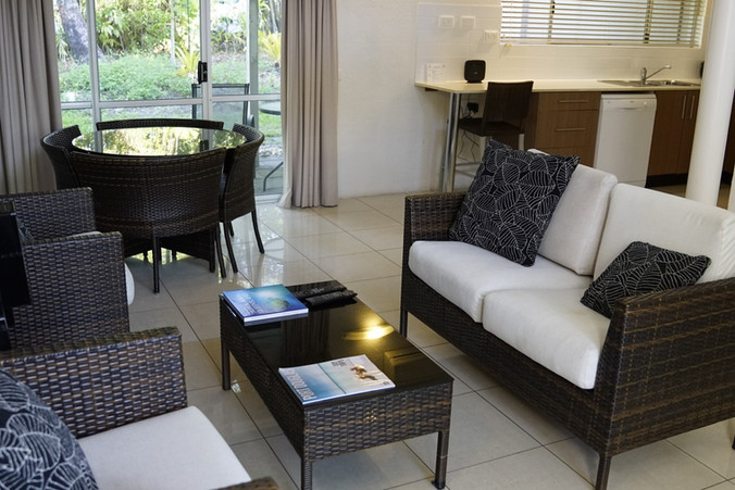 Coral Villa lounge / dining