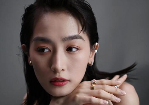 Evelyn Choi - Chanel Coco Crush