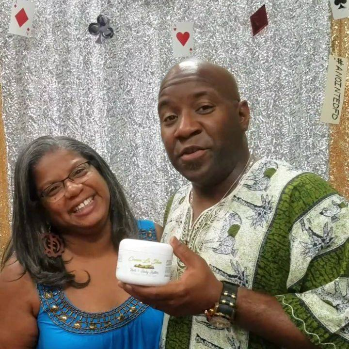Cream La Shea's Body Butter: Moisturizes skin, evens skin tone, adds natural glow, fades appearance of scars and stretch marks.   Order today at www.creamlashea.net   Thank you @iluv2teach2 for telling us how you use Cream La Shea.