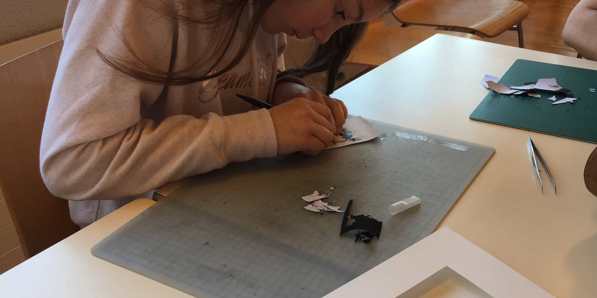 Ateliers papiers découpés