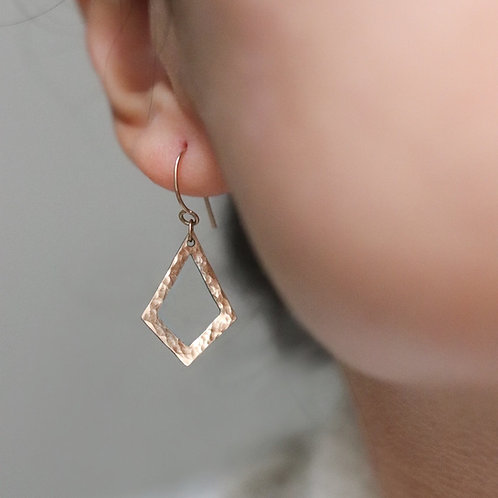 Alison - Rhomboid Earrings Hammered