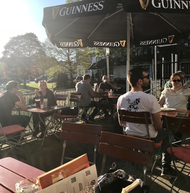 Een van de leukste en lekkerste restaurants in Winterberg: Blackwater Irish Pub! Een keertje hier eten is echt aan te bevelen