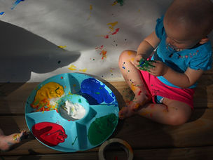 Children's Discovery Center Contact Nature-based Austin Preschool Reggio Emilia Finger Paint