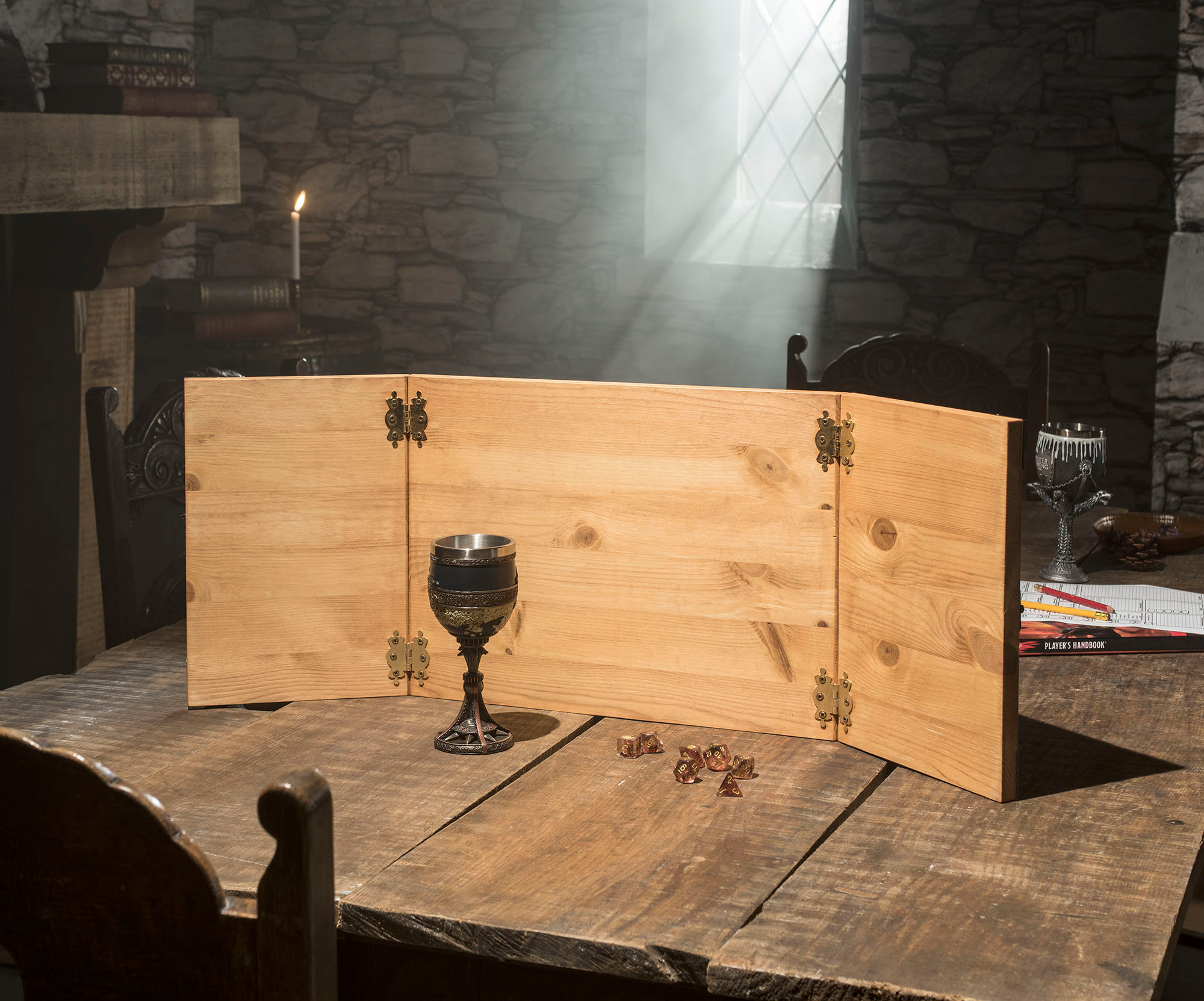 Call of Cthulhu Wooden Dungeon Master Screen