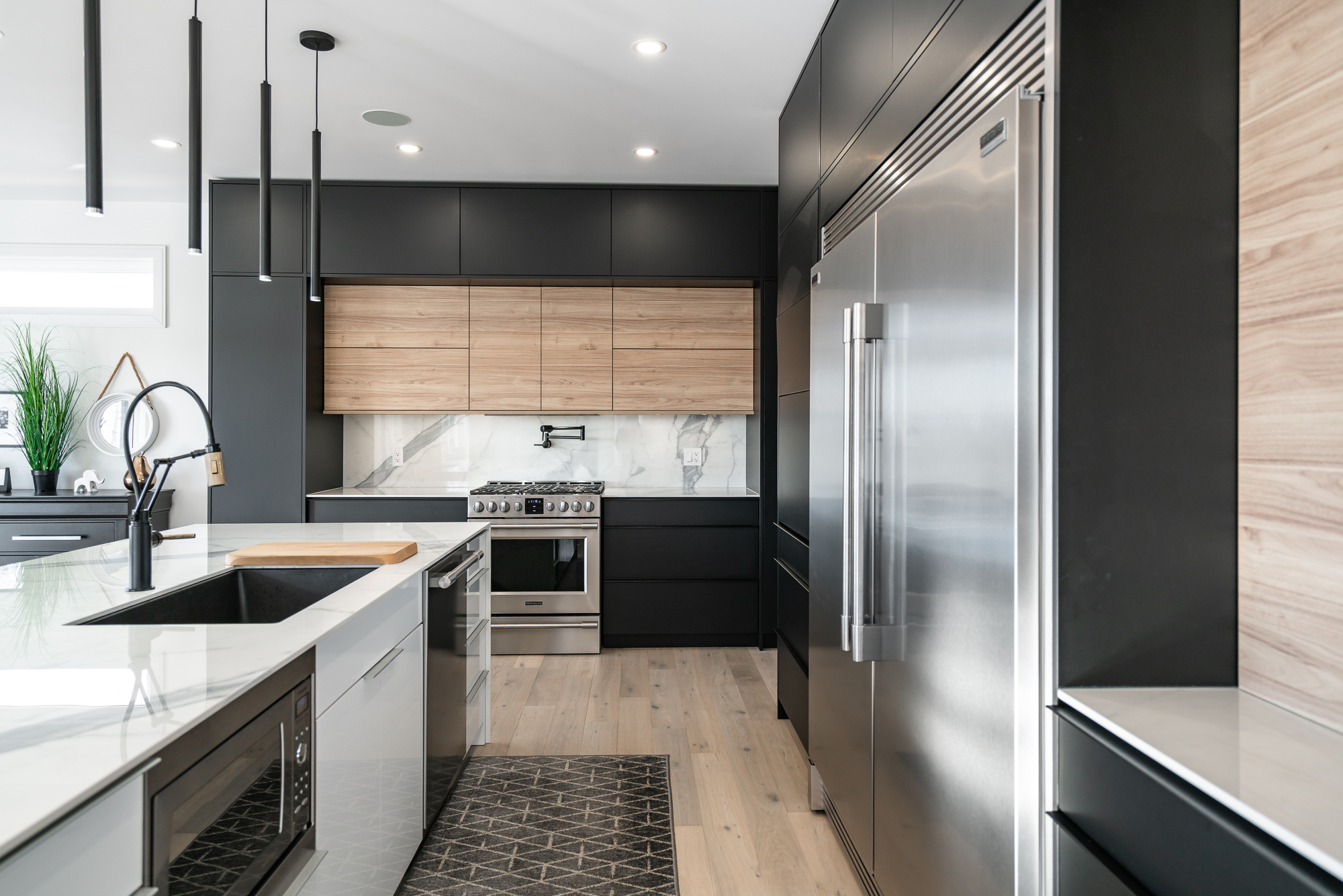 Modern Niagara Kitchen