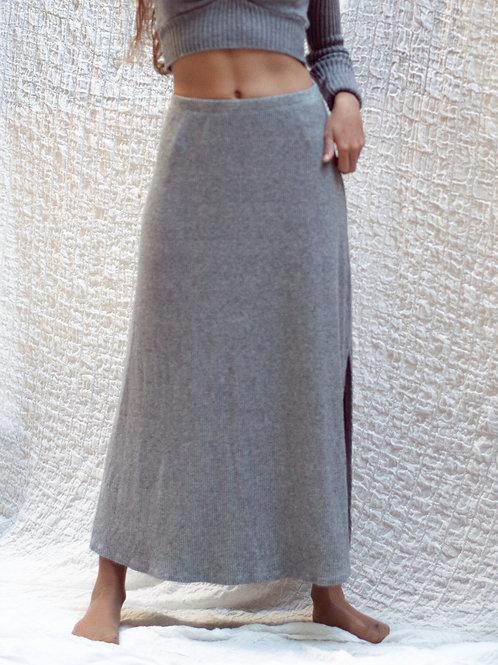 Falda larga punto