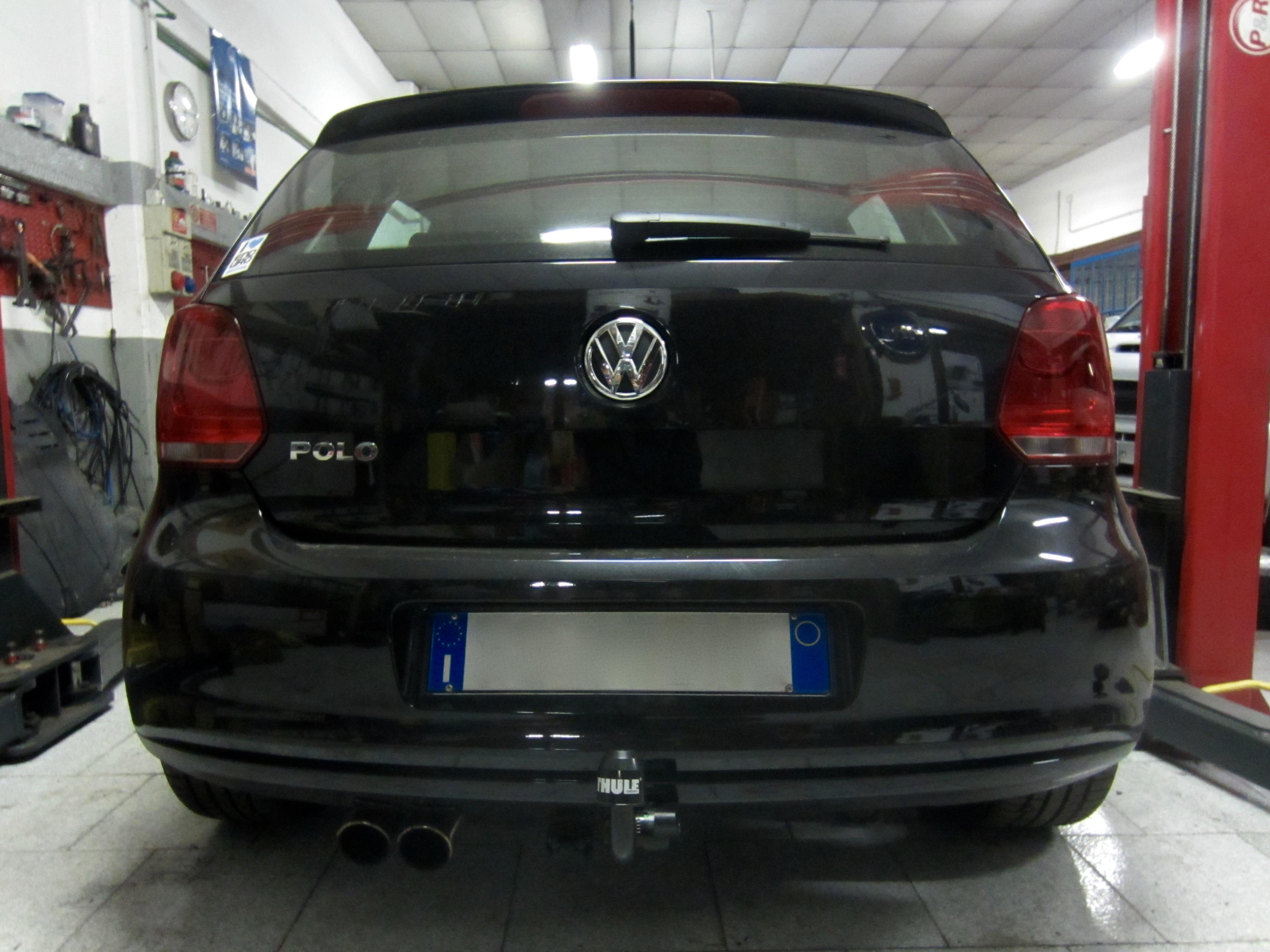 Installazione gancio traino estraibile su Volkswagen Polo