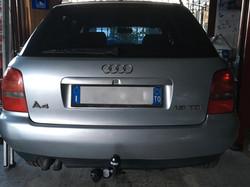 Installazione gancio traino fisso su Audi A4