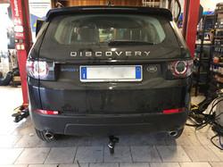 Installazione gancio traino estraibile su Lande Rover Discovery Sport