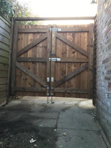 Square gate.jpg