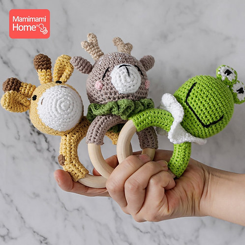 1Pc Baby Wooden Teether Crochet Giraffe Rattle Toy BPA Free Wood Rodent Rattle