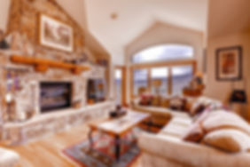 rs_1400x0_bc_arrowhead_fourbedroomhome_l