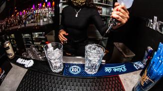 93 - Bar & Bartender.jpg