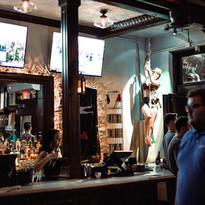 13 - Bar & Atmosphere.jpg
