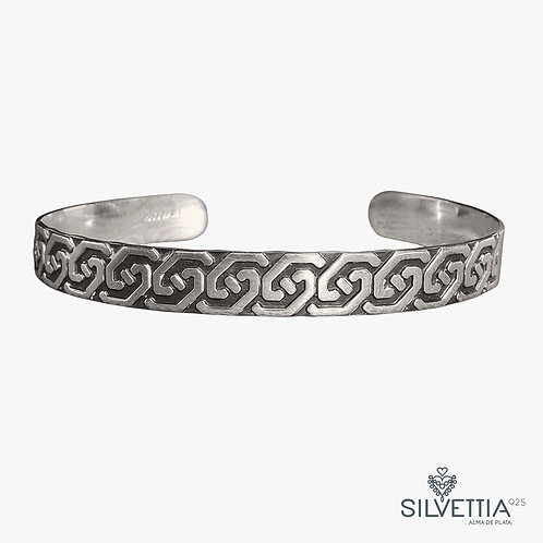 Geometrical carving silver bangle