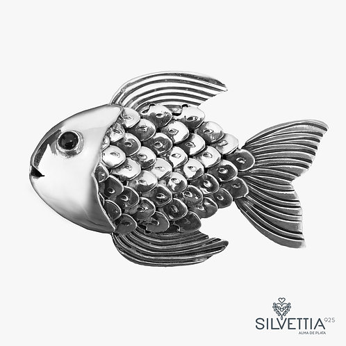 Detailed fish silver pendant