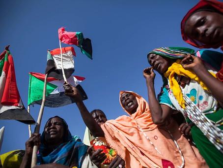 Darfur's Women 'Hamakat' elders revise songs for peace