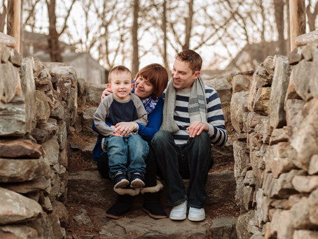 A Cozy Spring Family Session