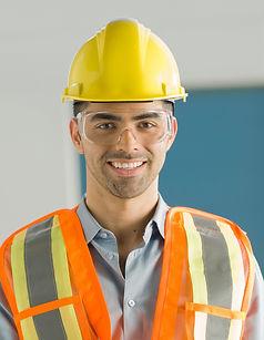 Arbeiter mit Schutzbrillen