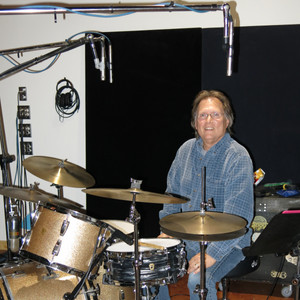 Rick Gomez plays with The Red Dirt Rangers, Tom Skinners' Science Project, played for years with Roy Clark, Don White, Gus Hardin, Tweed, The list is long!