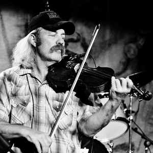 Dana Hazzard on Fiddle