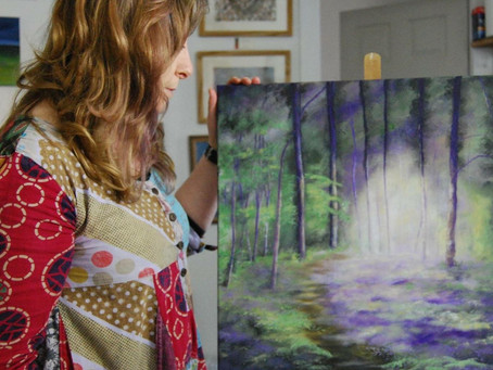 Julie Hollis, Art Gallery Owner
