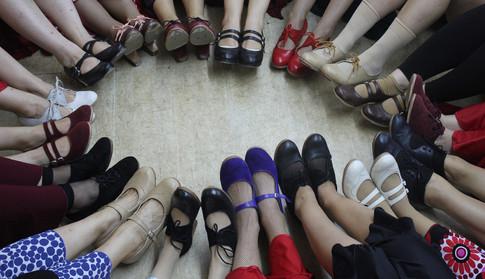 נעליים (2)_edited.jpg