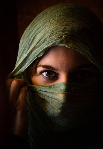woman-590490_1920.jpg