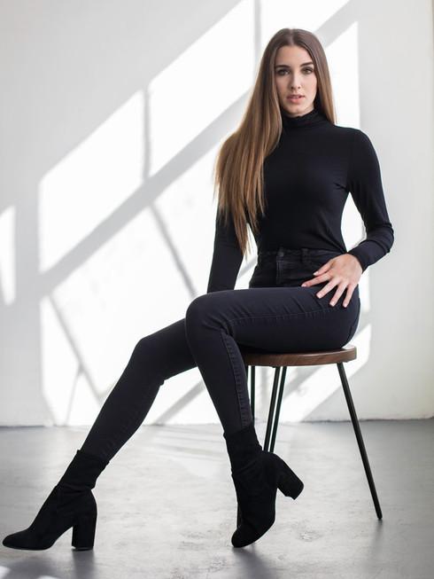 Model - Gracie Fea