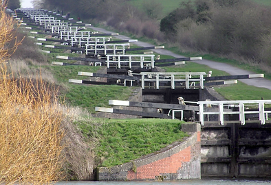 Caen Hill Locks.PNG