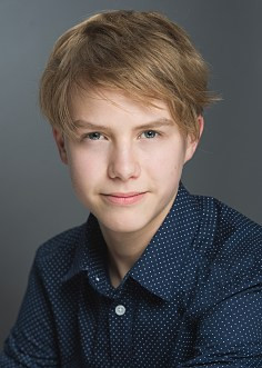 HARVEY SHOESMITH-DEAN RECENTLY FILMED 'SEA DRAGON'