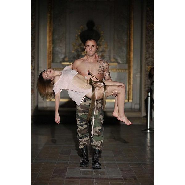 PIETA is a performative project by Hanna Zubkova
