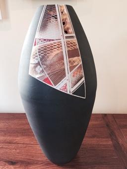 Pottery vase by Doug Irish-Hosler