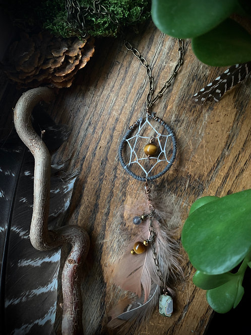 Dreaming in Harmony // Dreamcatcher Necklace