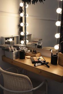 set makeup.jpg