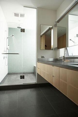 Moderne afwerking badkamer Dirk Brié Badkamer renovties Ham, Tessenderlo