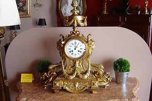 bronzen klok