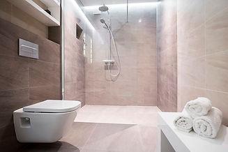 Sanitair, douche, bad, lavabo, kraan plaatsen of herstellen