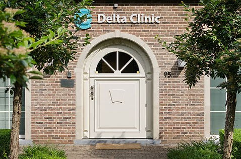 Dekta clinic voordeur