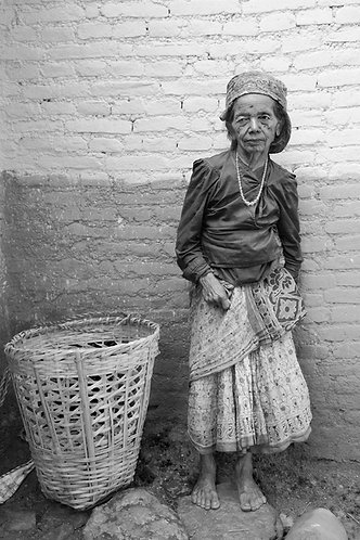 Pieter Vosloo -  Nepali