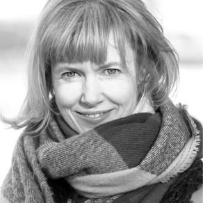 Annabel Abbs - Frieda