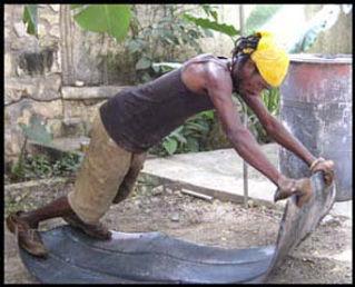 7947-Comite-Artisanal-Haitien-Metal-Drum
