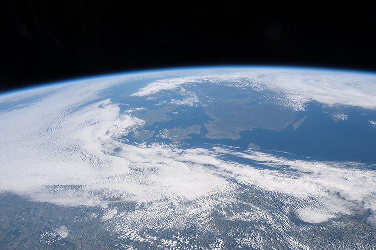 international-space-station-1776407_1920