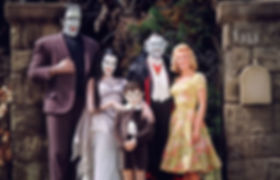 Cast of The Munsters, Pat Priest at righ