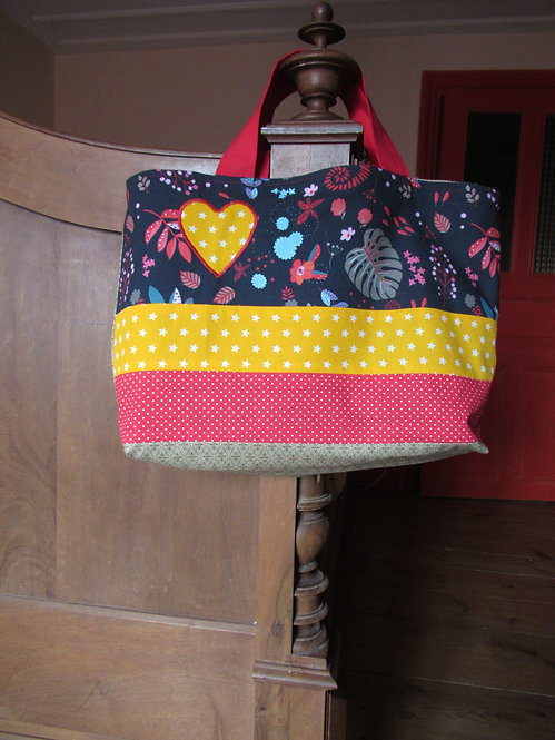 cabas en tissu inspiration patchwork avec coeur