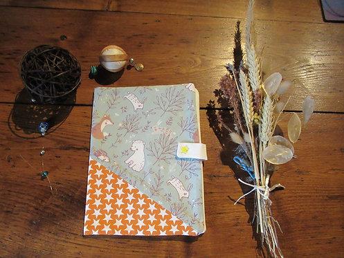 protège cahier carnet de santé orange et vert ours hérisson