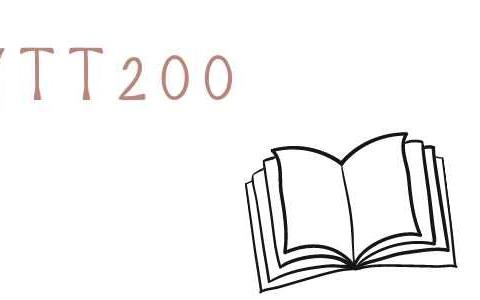 アメリカのYTT200のテキストブック