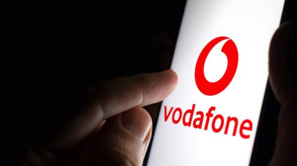 Vodafone: partono oggi gli aumenti con fino a 1,99 euro al mese in più per alcuni clienti