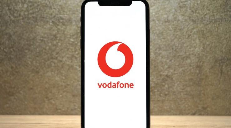 Vodafone, altra stangata per gli utenti: aumenta il costo di alcune offerte