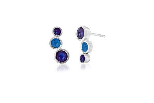Triple dot enamel studs in two blues